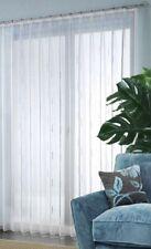 Fertigstore Ungarn mit Chenille Effektgarn und Faltenband Farbe weiss