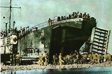 CP WW2 - France 1944 - Opérations de déchargement d'un transport sanitaire