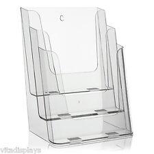 Transparenter Prospektständer von VITAdisplays® im DIN A4 Format auf 3 Etagen