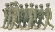 Preiser 1:35 NINE UNPAINTED WWII German Gren. Figures KIT 64009