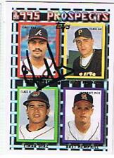 EDDIE PEREZ 1995 TOPPS # 480 AUTOGRAPHED CARD , BRAVES .