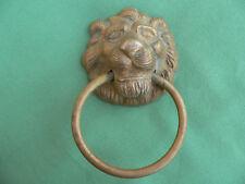 Anneau tête lion  laiton  ancien décoration porte diamètre 8 cm