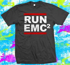 Geek Einstein ejecutar Emc2-T Shirt-E = mc2 Geek T-Shirt