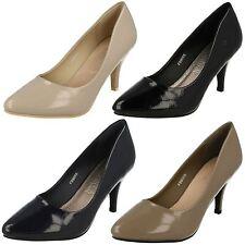 Mujer Spot On f9905 Charol Sintético Zapatos de salón tacón medio