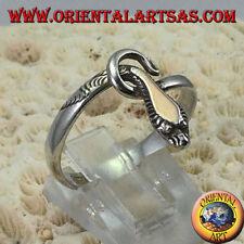 Anello in argento 925 ‰  serpente cobra con una lamina in oro sopra la testa