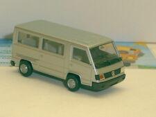 041386: MB 100 D, Bus, silber met.