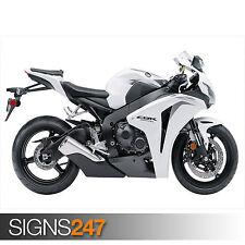 HONDA CBR 1000RR WHITE (1546) Motorbike Poster - Poster Print Art A1 A2 A3 A4