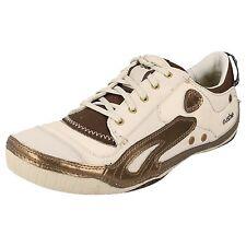 Mujer Cushe Cuero Con Cordones Zapatillas en blanco roto estilo - Boutique Sneak