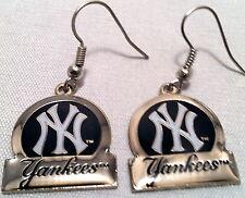 New York Yankees Circle Style Dangle Earrings