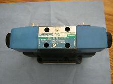 Vickers: DG4V-3S-6C-M-U-H5-60 w/ DG5S4-046C-T-M-U-H5-60 Direction Control Va<W2