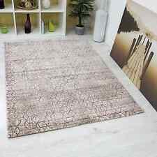 Alfombra de salón con dibujo de rombos marrón beige apariencia tridimensional