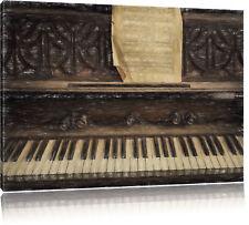 Antiguo Piano con Partitura Plumas Coloridas Efecto Foto en Lienzo