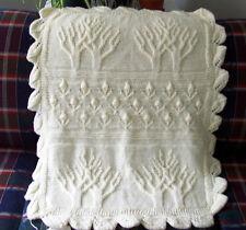 "ARAN Tree Pattern BABY APERTO CON TULIPANO BUD bordo 26 ""x 34"" knitting pattern"