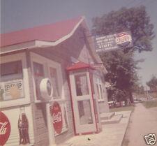 VINTAGE 1962 COCA COLA VS PEPSI PHONE BOOTH MADAME LEGROS ROADSIDE SIGNS PHOTO