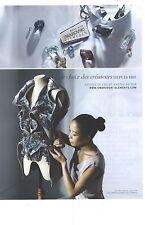 PUBLICITE  2012  SWAROVSKI les petites mains dans l'atelier haute couture