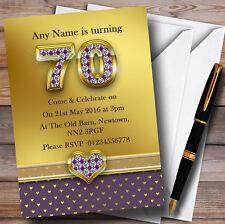 Oro satinado y corazones púrpura 70º Personalizado Fiesta De Cumpleaños Invitaciones