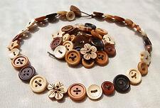 Hecho a mano delicada de botones de madera Collar O Pulsera O Tobillera... Flores Estrellas