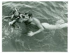 KEIR DULLEA RICARDO MONTALBAN SCUBA DIVER BLACK WATER GOLD ORIGINAL ABC TV PHOTO
