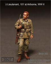 Soga Miniatures 3507 1/35 2 Lieutenant, US 101st Airborne Division, WWII (1)