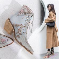 Damen Block Cuban Heel schnüren Ankle Boots spitzen Blume Stickerei Schuhe Boots