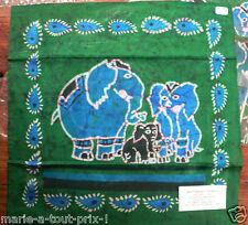 petite tenture indienne BATIK ELEPHANTS issue du COMMERCE EQUITABLE 30x30cm