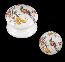 Armoire placard victorien blanc céramique boutons de porte design oiseau chantilly