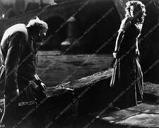 3180-11 Charles Laughton Maureen O'Hara film The Hunchback of Notre Dame 3180-11