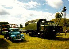 Carte postale: Barkas v901/2 pick-up et w50 la/A avec grue, rda-Oldtimer