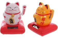 Winkekatze Glücksbringer SOLAR Maneki Neko Feng Shui Katze auf Kissen H: 9,5cm