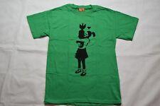 BANKSY BOMB abrazo Camiseta Nuevo Oficial Arte Urbano Calle Artista de graffiti político