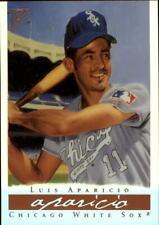 2003 Topps Gallery HOF Artist's Proofs Baseball Card #5 Luis Aparicio Wood Bat