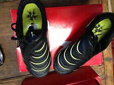 Chaussure de foot enfants Puma Taille 34 neuve