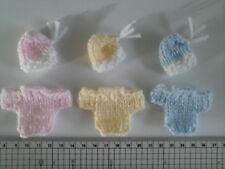 HAND Knitted BAMBINA / BAMBINO DECORAZIONI PER CARD / Abbellimenti GRATIS UK Affrancatura