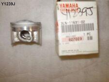 YAMAHA FZR 250 PISTON GENUINE 3LN-11631-02 NEW OLD STOCK  Y1239J
