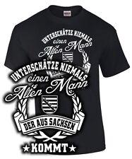 T-Shirt Sachsen UNTERSCHÄTZE NIEMALS EINEN ALTEN MANN Spruch lustig Sachse