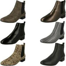 Donna Spot On da infilare Chelsea stile Stivali alla caviglia con Tacco Basso -