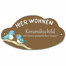 """Keramik Schild 18cm x 10cm mit Gravur - Zwei Vögelchen + """"Hier Wohnen"""" - TUE087"""