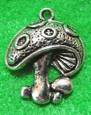 10Pcs. Tibetan Silver MUSHROOM Toad Stool Charms Pendants Jewelry Finding GF17