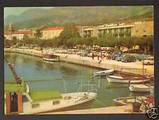 MAKARSKA (CROATIA) CITROEN 2CV, RENAULT R8 , AUTOBUS au PORT en 1966