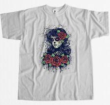 Mujer Azúcar Calavera Día de los muertos con rosas rojas para hombres Camiseta