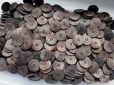 20 mm 32 L Marrón Efecto de concha de tortuga 2 Botones Abrigo Cardigan scrapbook agujero K29