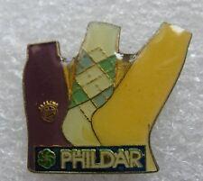 Pin's La Laine PHILDAR Les Chausettes  #C3