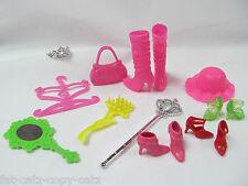 12x Bambola Barbie Sindy borsetta accessori di abbigliamento Scarpe Stivali Cappello CORONA SPECCHIO