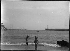 Ancien négatif photo sur verre plaque portrait enfants plage Toulon negative