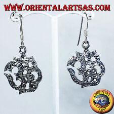 orecchini d'argento intarsiato, Om (ॐ) sillaba sacra