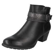Donna Spot On stivali caviglia con decorazione spalline - f50730