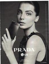 PUBLICITE ADVERTISING 2012  PRADA   LG portable par Daria Werbowy