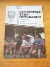 11/09/1982 Basingstoke Town V dover. NO difetti evidenti, a meno che la descrizione di pre