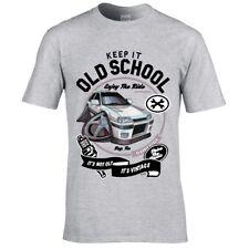 Koolart Keep it Old School Retro ANGLIA super voiture 105e Logo T-shirt Homme Cadeau