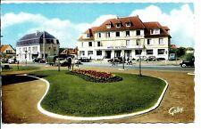 CP 14 CALVADOS - Franceville-Plage - Place de la Plage et l'Hôtel des Pins